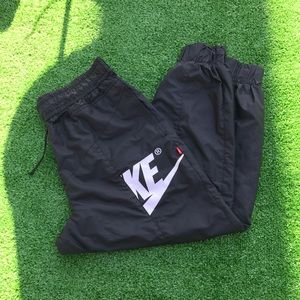 Nike Windrunner Pants Women's Sz XL AJ2976 010